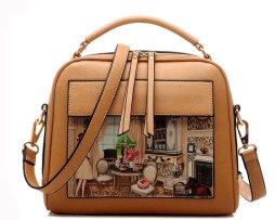 Dámska kabelka s obrázkovým vzorom v hnedej farbe