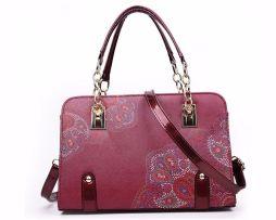 kvalitna-damska-kabelka-s-podtlacou-kvetin-v-cervenej-farbe