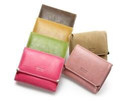 Dámska kožená peňaženka so srdiečkovým kovaním (6)