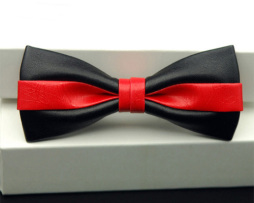 Kožený spoločenský motýlik pre pánov čierno červenej farbe