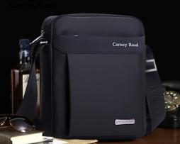 Pánska textilná taška cez rameno CARNEY ROAD v čiernej farbe (6)