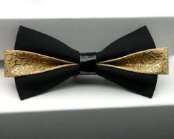 Štýlový kožený spoločenský motýlik v zlatej farbe