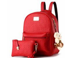 Dámsky originálny ruksak vyrobený z kože s plyšákom (3)