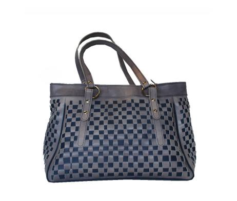 atraktivna-pletena-kozena-kabelka-c-8602-v-sedo-modrej-farbe-2