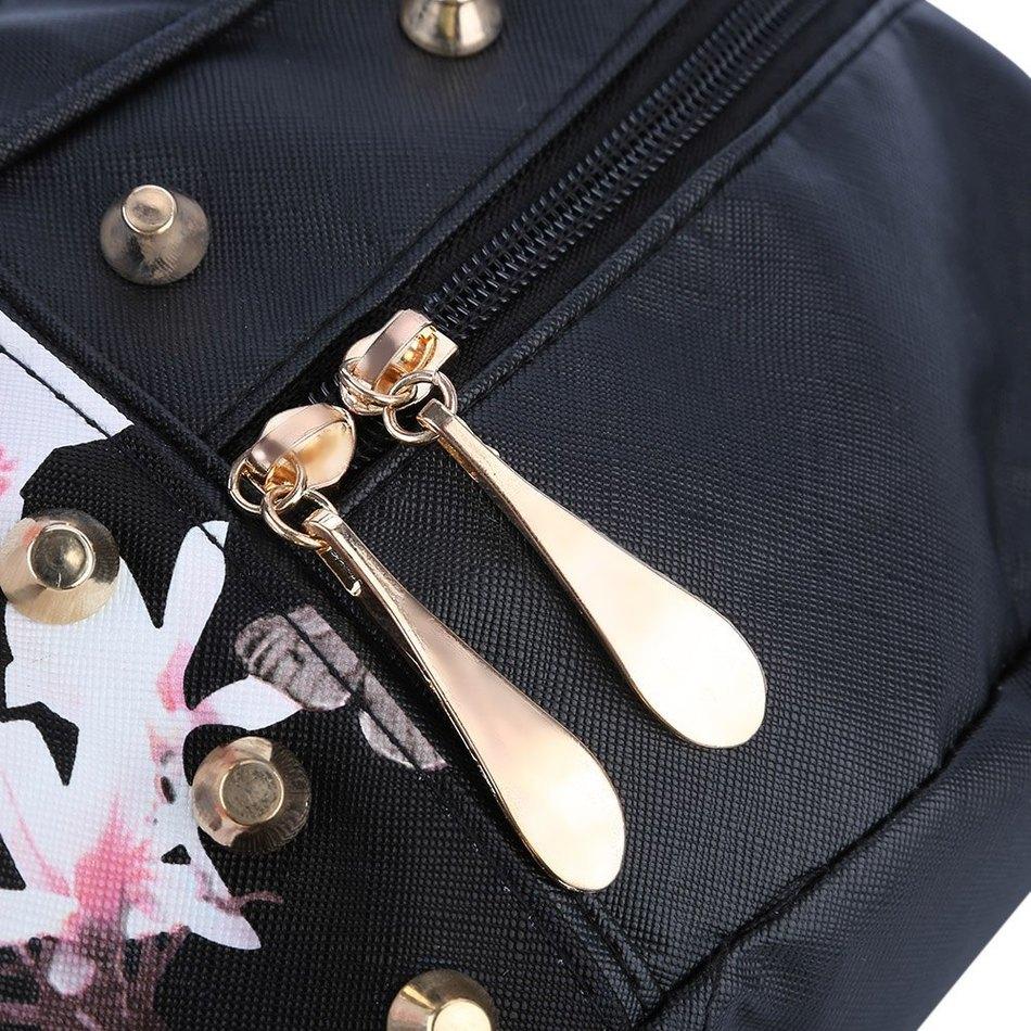 Dámsky kvetinový kožený ruksak s vybíjaním v čiernej farbe  09775fccb3c