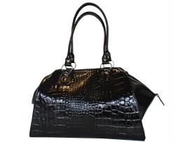 kozena-lakovana-kabelka-c-8616-v-ciernej-farbe-kabelka-je-vhodna-pre-kazdu-modernu-zenu-dokazete-si-predstavit-ziv