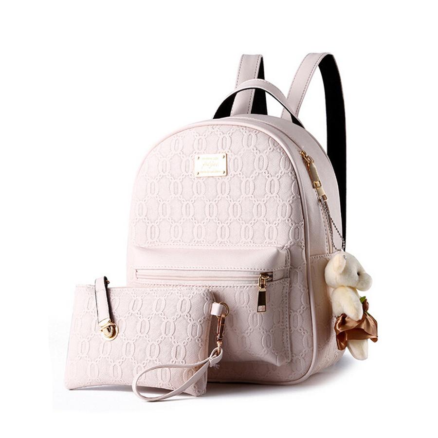 591b7641a133 Kožený dámsky ruksak s plyšovým mackom vo farbách + malá taška ...