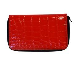 lakovana-kozena-penazenka-c-8627-v-cervenej-farbe-v-nasom-online-obchode-najdete-kozene-penazenky-s-modernym-dizajnom-a-praktickym-usporiadanim-1-400x400