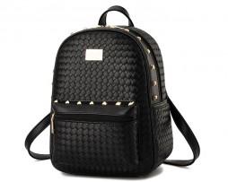 Kvalitný dámsky ruksak s pletenej kože s vybíjaním2