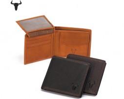 Pánska kožená peňaženka z kolekcie COUNTRY vo farbách obsahuje veľmi kvalitné použité materiály