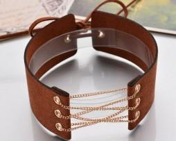 Kožený dekoračný náhrdelník na krk s retiazkou v hnedej farbe