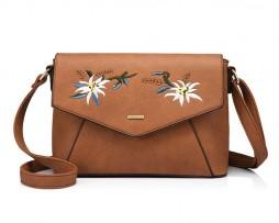 Originálna kožená kabelka s vyšívaním v hnedej farbe. Každý výrobok je niečím jedinečný a umelecký.