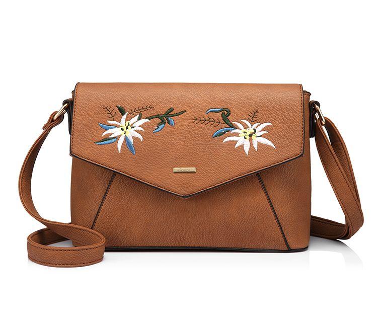 Originálna kožená kabelka s vyšívaním v hnedej farbe. Každý výrobok je  niečím jedinečný a umelecký 9e65368ace3