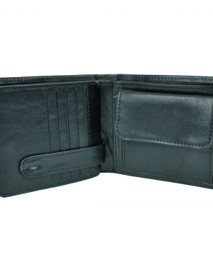 Peňaženka z prírodnej kože č.7992 v čiernej farbe. Kvalitné spracovanie a talianska koža. Ideálna veľkosť do vrecka a značková kvalita pre náročných. (2)