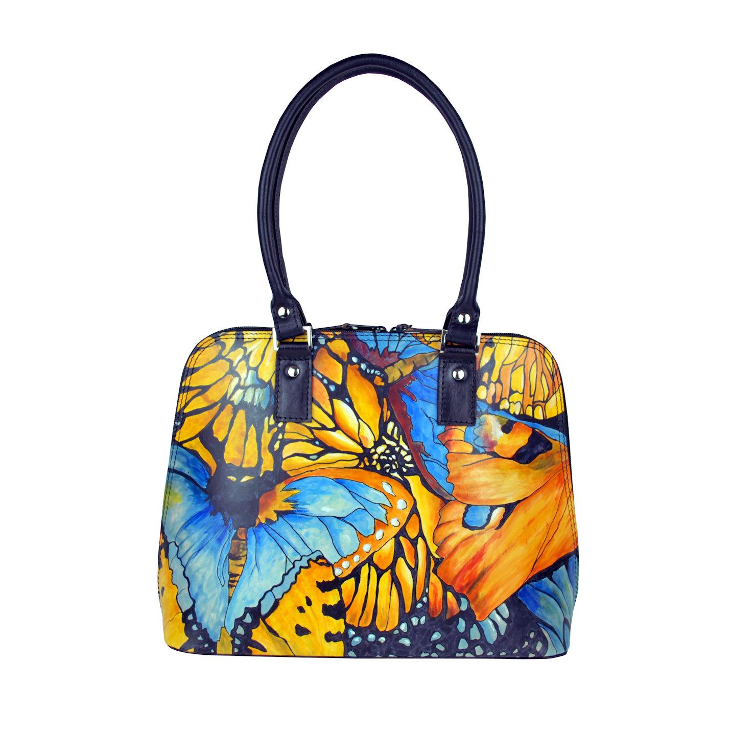 4d401de42b0b Ručne maľovaná kabelka 8573 s motívom Motýľe