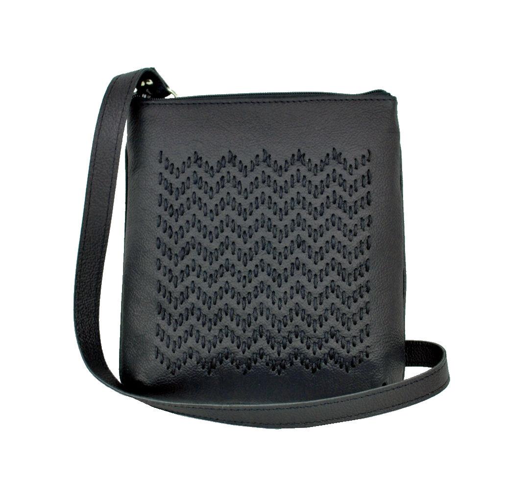 0ab172c52c Ručne vyšívaná kabelka z pravej kože v čiernej farbe (2)