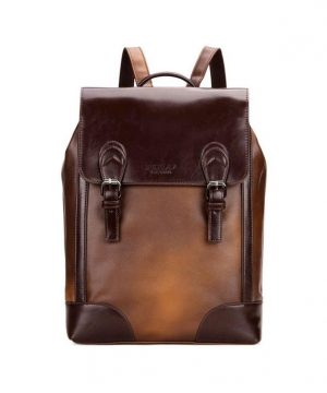 Unisex retro ruksak z kože v hnedej farbe. Tento ruksak robí sám sebe veľkú česť svojmu menu, pretože investícia do neho sa určite vyplatí. (2)