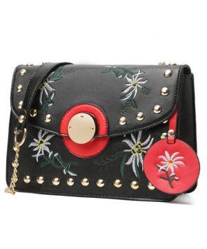 Dámska mini kožená kabelka s vyšívaním v čiernej farbe (7)