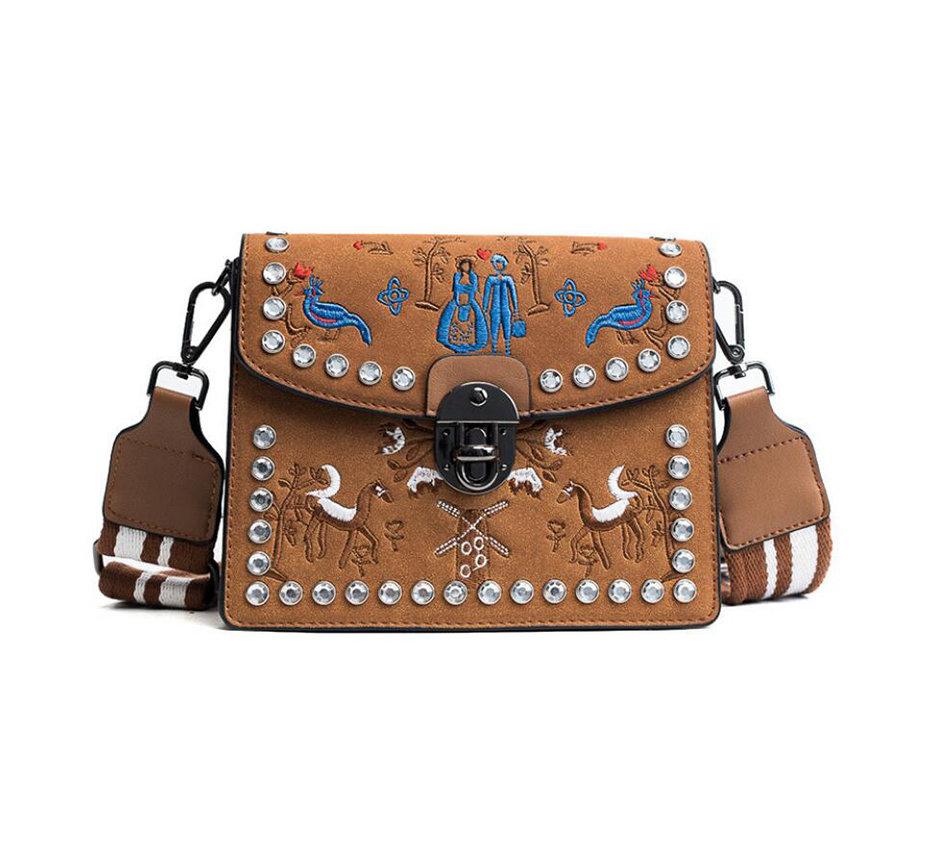 116f33366f Kožená vyšívaná kabelka s nastaviteľným popruhom v khaki farbe ...