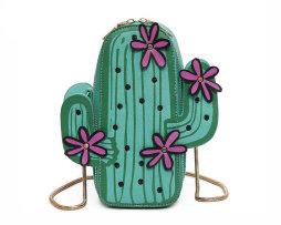 Rozkošná dámska kabelka v tvare kaktusu. Kabelka obsahuje retiazkový popruh cez rameno (8)