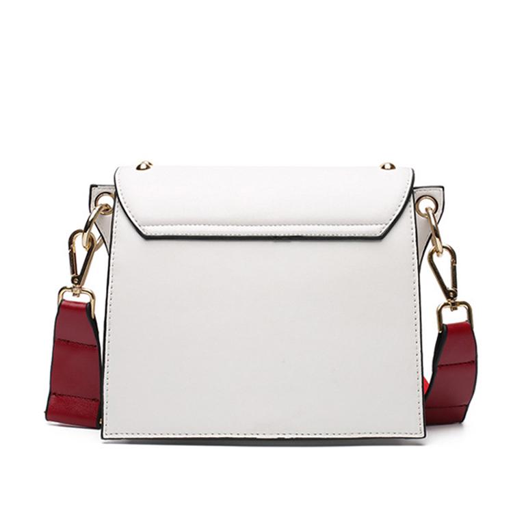 Vyšívaná kožená kabelka s popruhom v bielej farbe  e73d68e11ac