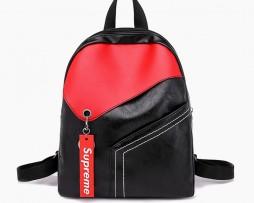Moderný ruksak z kože v čierno červenej farbe (5)