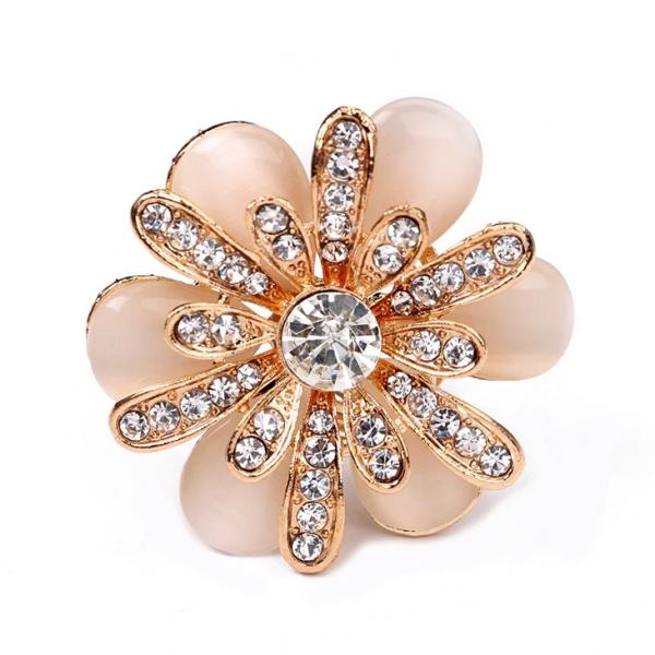 Luxusný trojprstenec pre šatky v tvare ligotavej kvetiny v zlatej farbe (4)