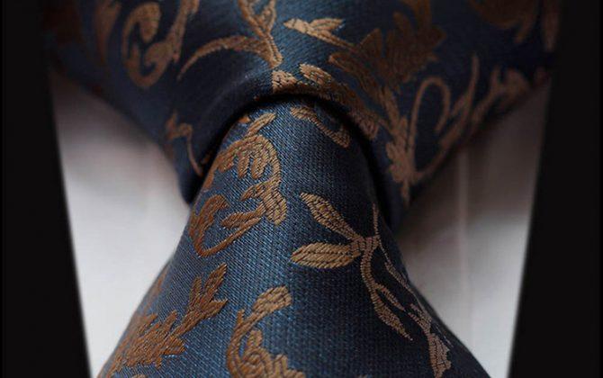 Luxusný pánsky kravatový set – kravata + vreckovka v tmavo modrom elegantnom štýle