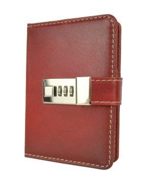 Menší Zápisník z prírodnej kože na heslový zámok, ručne tieňovaný, tmavo červená farba