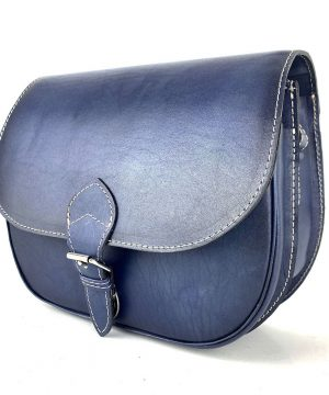 Kožená kabelka v tmavo modrej farbe, ručne tieňovaná, uzatváranie - vyťahovací zámok + pracka